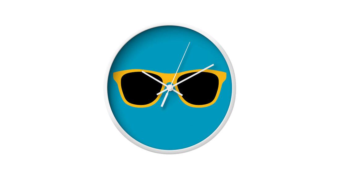 03_la chic home decor_sunglasses wall clock