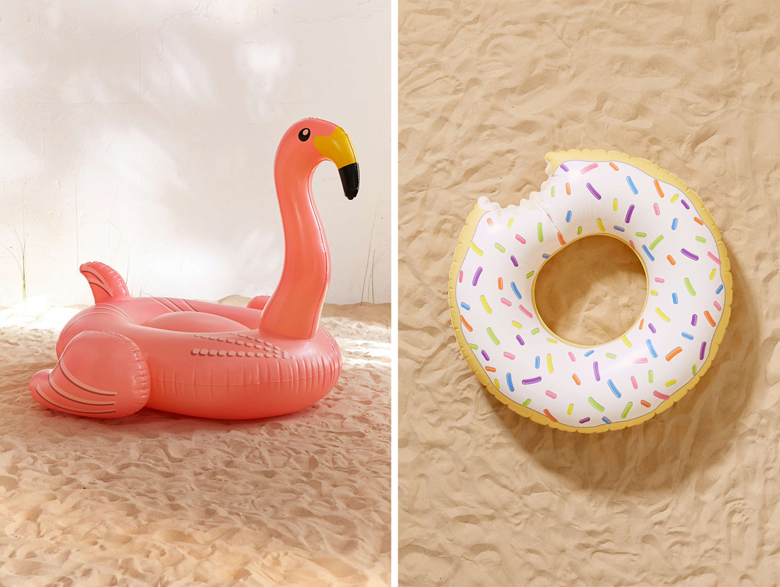 07_urban outfitters_giant flamingo pool float