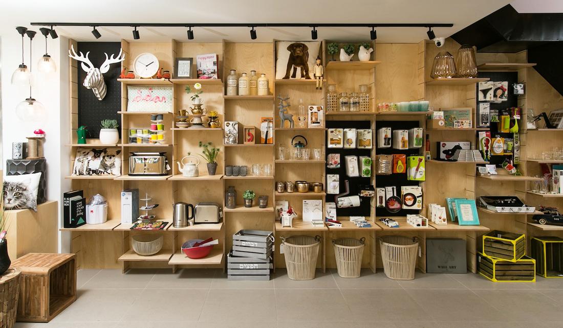 עיצוב חנויות, עיצוב מסחרי, עיצוב לעסקים, עיצוב משרדים, עיצוב פנים, שילב, סטודיו IN2